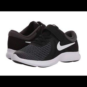 Nike Shoes - Kids 11 Wide Nike Free Run w/ Velcro Strap